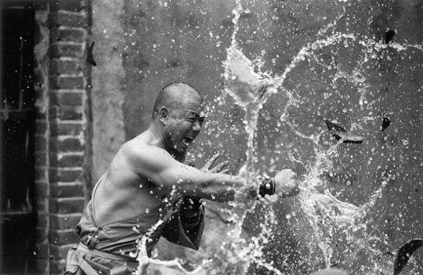 Shaolin rahiplerinin sıra dışı antrenmanı 13