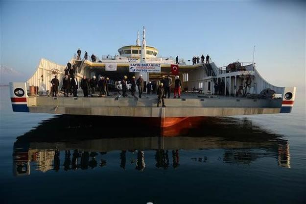 Türkiye'nin en büyük feribotu hizmete alındı 2