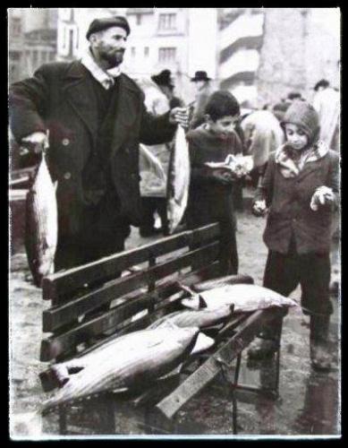 Balık dolu siyah beyaz İstanbul 11