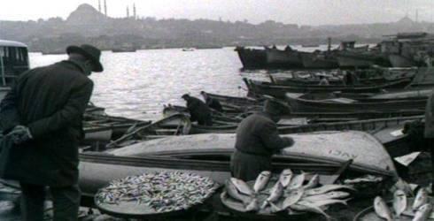 Balık dolu siyah beyaz İstanbul 37