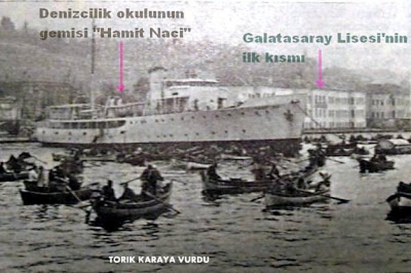 Balık dolu siyah beyaz İstanbul 38