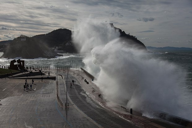 9 metrelik dev dalgalar 8