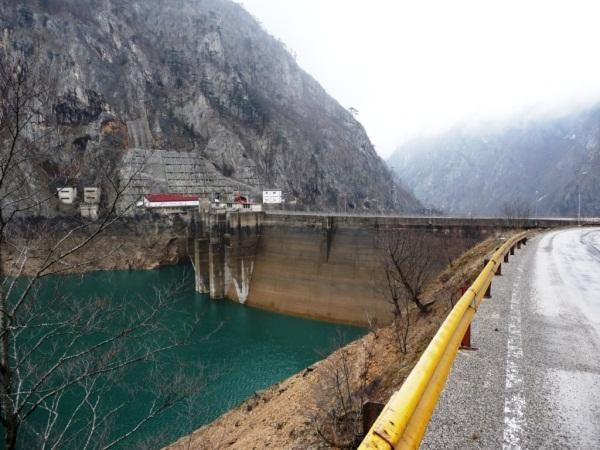 Dünyanın en uzun barajları 21