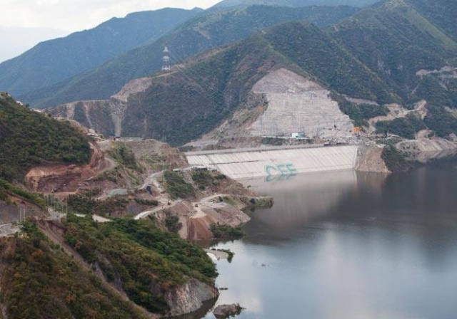 Dünyanın en uzun barajları 23