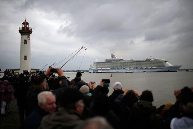 Dev yolcu gemisi ilk seferine çıktı 4