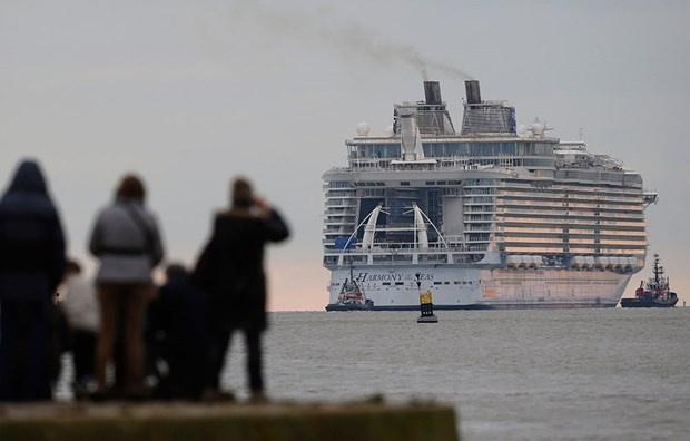 Dev yolcu gemisi ilk seferine çıktı 6