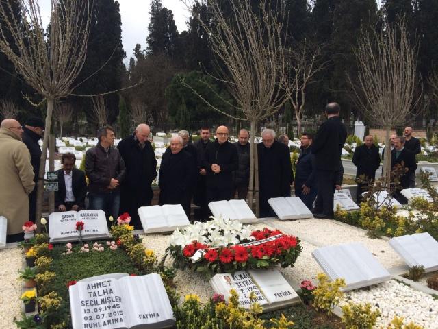 Şadan Kalkavan mezarı başında anıldı 14