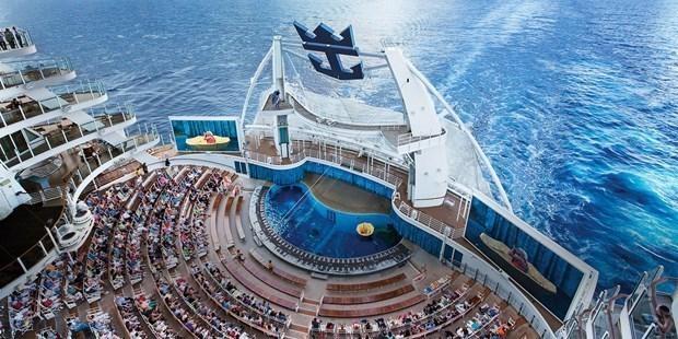 Dünyanın en büyük gemisi suya iniyor 18