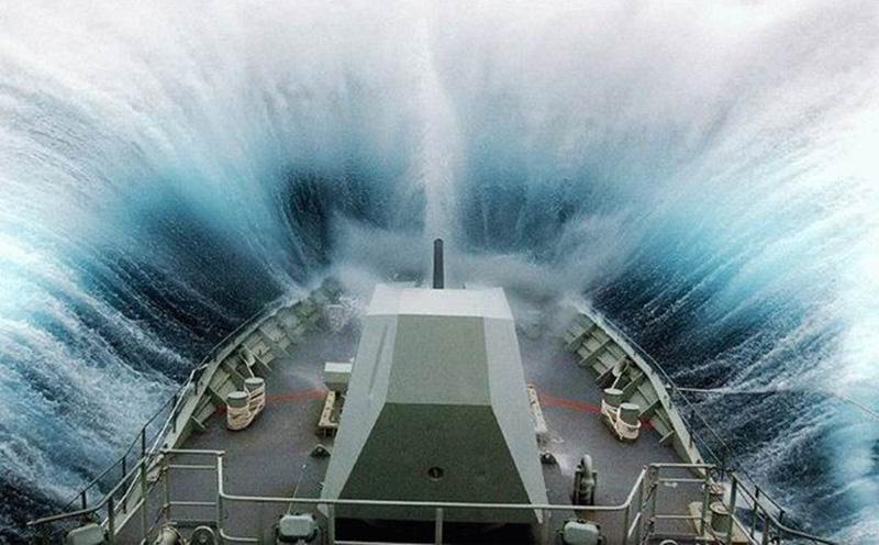 Denizin neredeyse gemileri yuttuğu fırtınalar 30