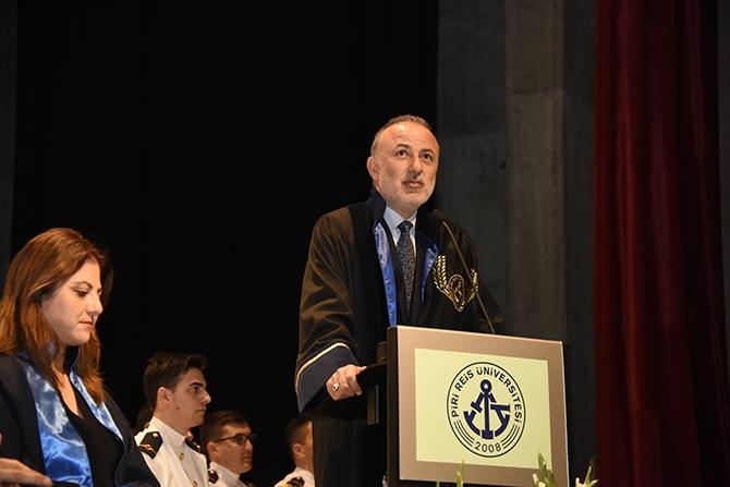 Piri Reis Üniversitesi 2016 mezunlarını denize uğurladı 11