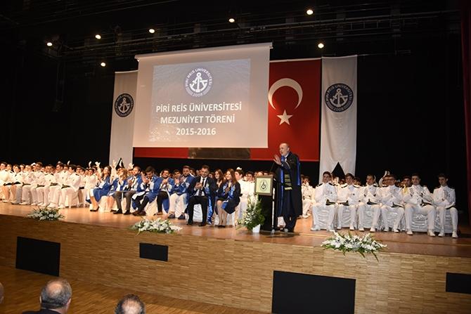 Piri Reis Üniversitesi 2016 mezunlarını denize uğurladı 12