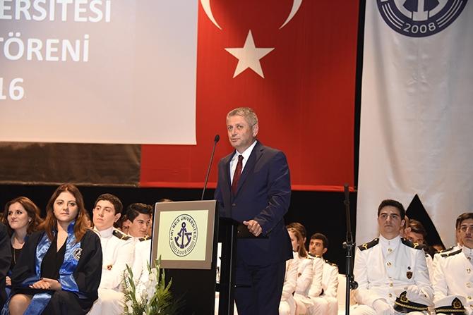 Piri Reis Üniversitesi 2016 mezunlarını denize uğurladı 9