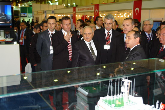 Başbakan Erdoğan IDEF 09'da 11