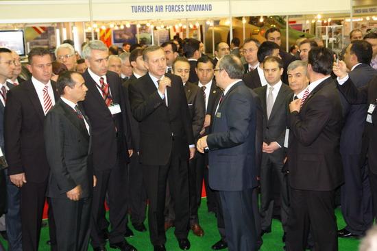 Başbakan Erdoğan IDEF 09'da 12