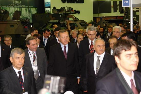 Başbakan Erdoğan IDEF 09'da 14