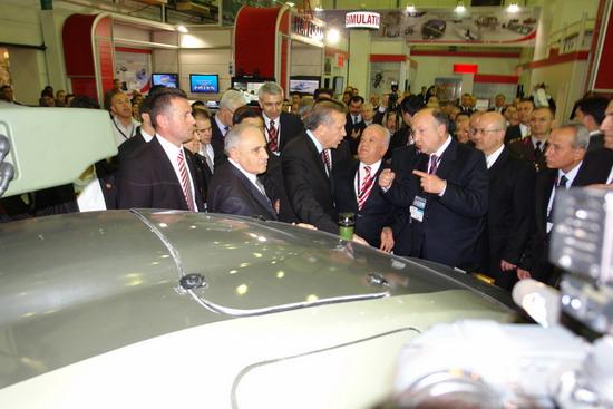 Başbakan Erdoğan IDEF 09'da 15