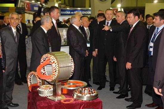 Başbakan Erdoğan IDEF 09'da 16