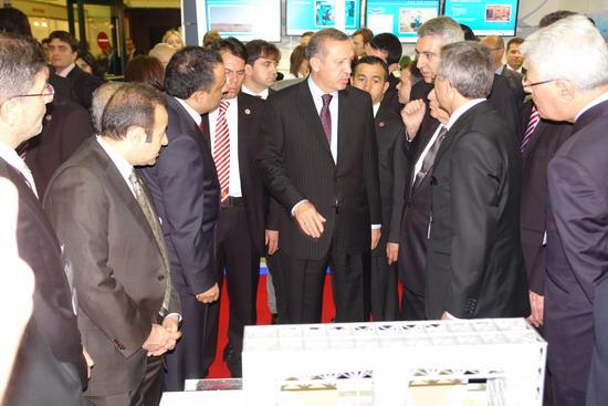 Başbakan Erdoğan IDEF 09'da 22
