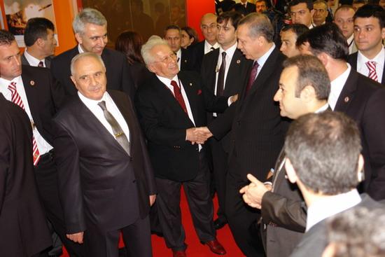 Başbakan Erdoğan IDEF 09'da 23