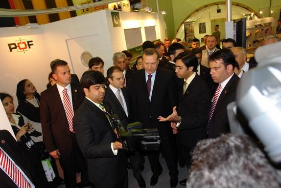Başbakan Erdoğan IDEF 09'da 25