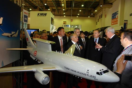 Başbakan Erdoğan IDEF 09'da 26