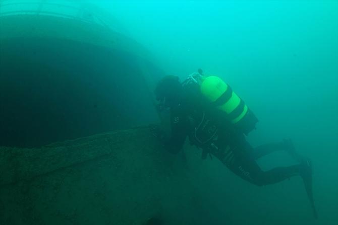 Van Gölü'nde batık gemi bulundu 1