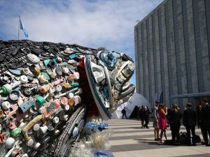 Okyanuslardaki Plastik Atıklardan Sanat Eseri
