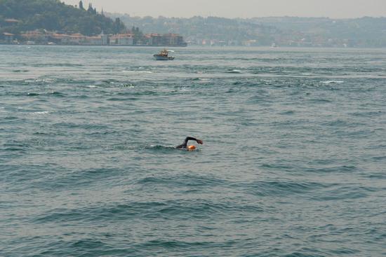 62 Yaşında Boğazı yüzerek geçti 12