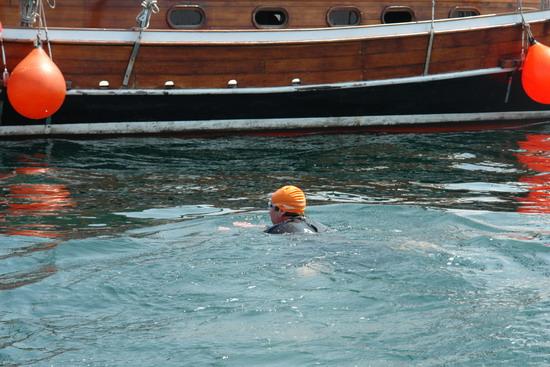 62 Yaşında Boğazı yüzerek geçti 33
