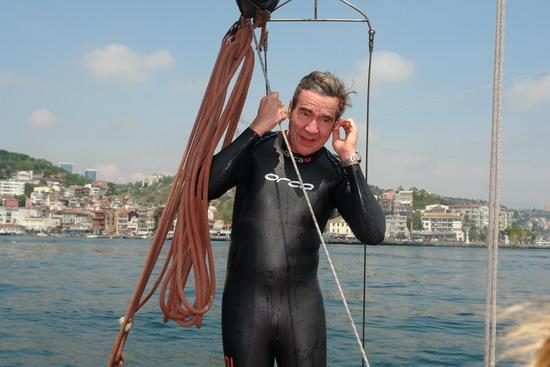 62 Yaşında Boğazı yüzerek geçti 39