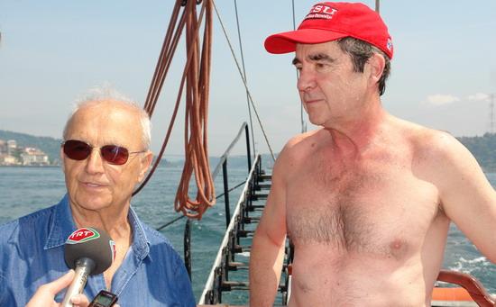 62 Yaşında Boğazı yüzerek geçti 41