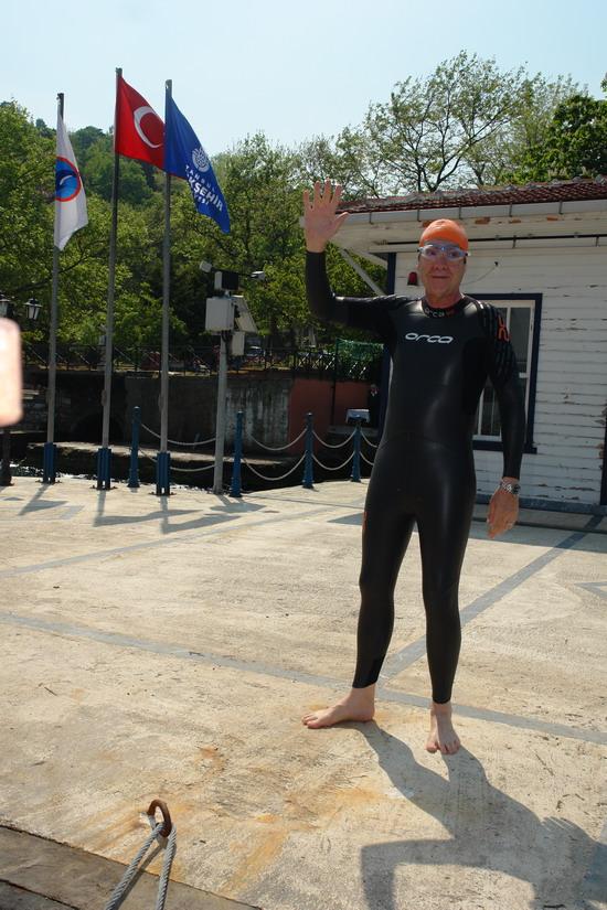 62 Yaşında Boğazı yüzerek geçti 7