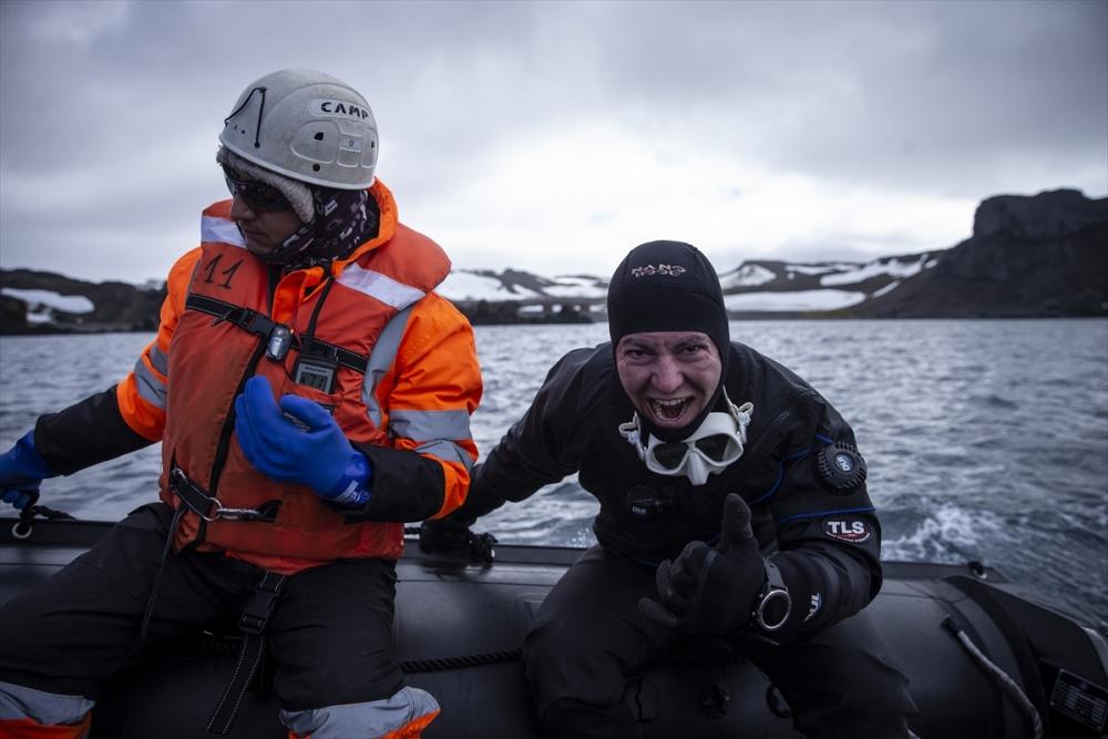 Şahika Ercümen'den Antarktika'da tarihi dalış 1