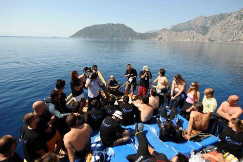 Korsan limanında arkeoloji ve doğal güzellik görüntülendi 15