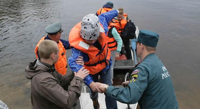 Rusya'da feci kaza: 14 çocuk boğularak öldü