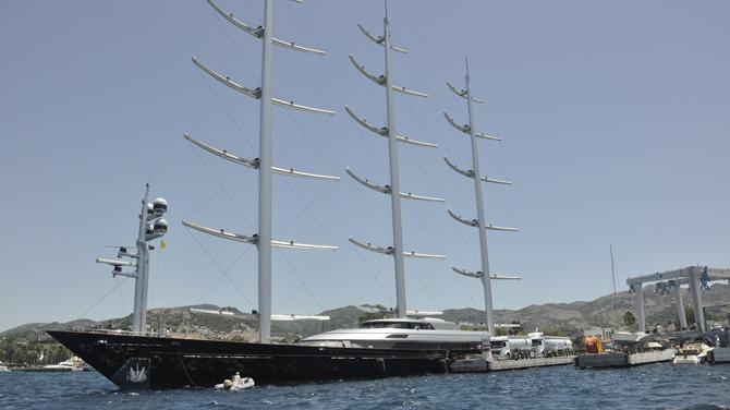 Dünyanın en büyük yelkenlisi yatı Maltese Falcon, Palmarina Bodrum'da