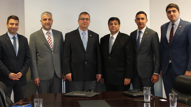 Panama İstanbul Başkonsolosu ve Panama Milletvekili Türk Loydu'nu ziyaret etti