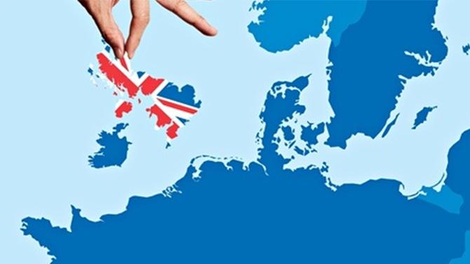 Brexit referandumunda şaşırtan sonuç! İngiltere AB'den çıkıyor...