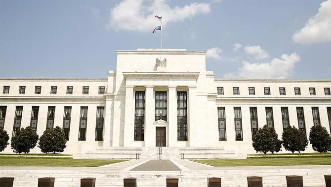 Faiz zamanlaması Fed'i ikiye böldü