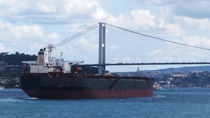 İstanbul Boğazı deniz trafiğine açıldı!
