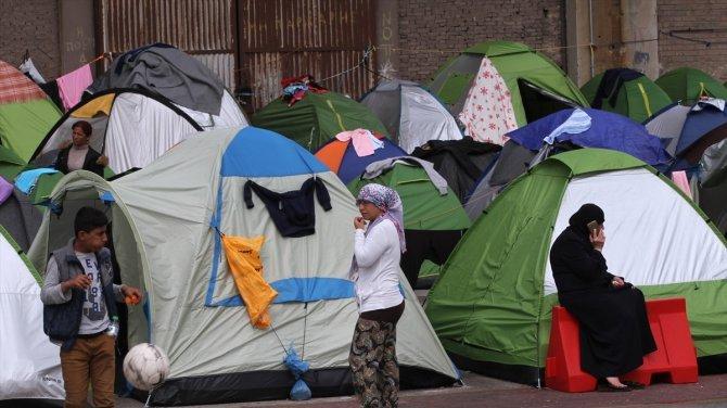 Sığınmacılar Pire'den ayrıldı