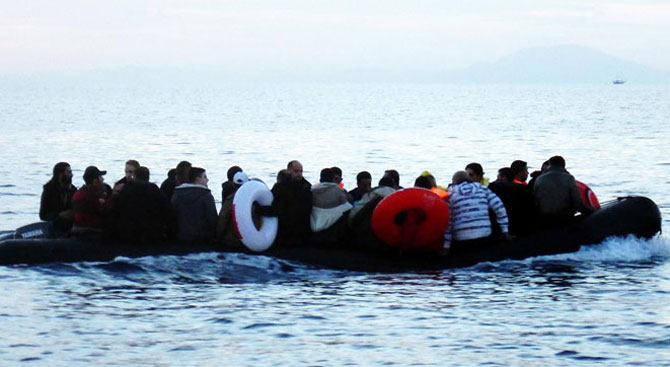 Bodrum'da 2 botta 95 mülteci yakalandı