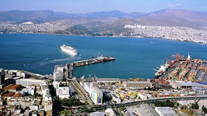 """Yusuf Öztürk: """"Ülkemizdeki birlik ruhu İzmir Limanı'nın önünü açtı"""""""