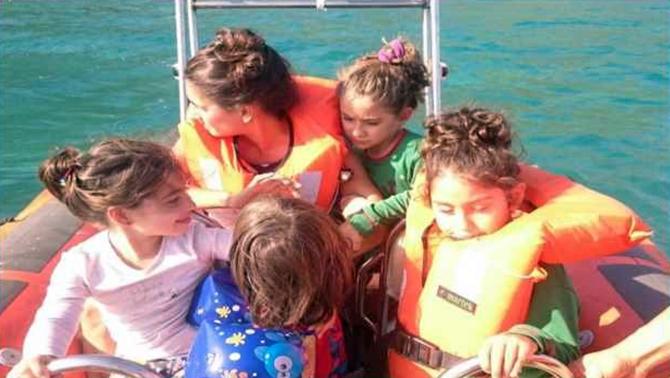 Antalya'da Sahil Güvenlik ekipleri 10 kişiyi kurtardı