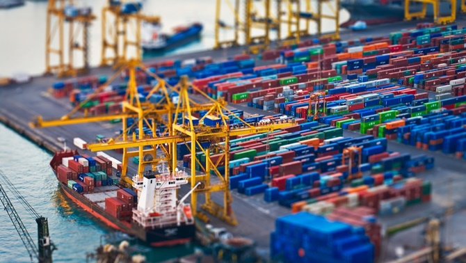 Dış ticaret açığı 3.7 milyar dolara yükseldi