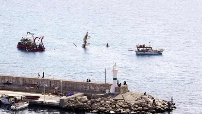 Antalya'da denizde batık krizi yaşanıyor