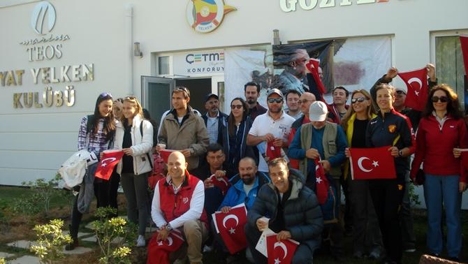 Türk bayrakları ile yelken seyri yapıldı