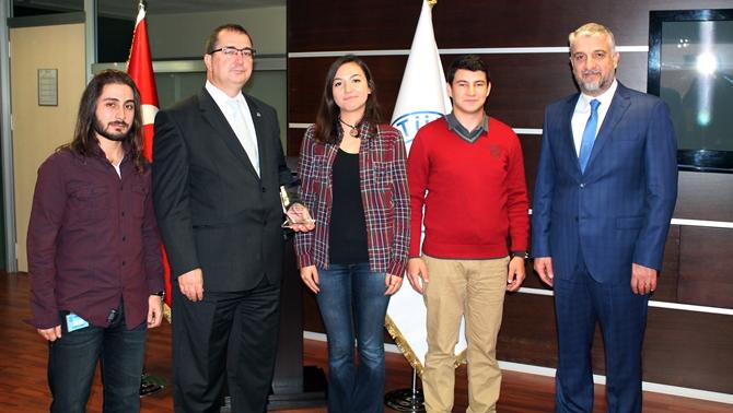 İTÜ Deniz Bisikleti Takımı'ndan Türk Loydu'na ziyaret