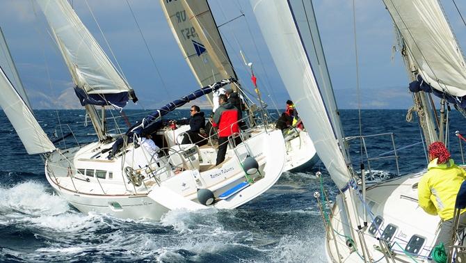 Yelkenciler, Cumhuriyet Bayramı'nı yarışarak kutladı