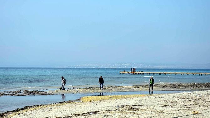 Marmara Ereğlisi'nde deniz suyu 15 metre çekildi